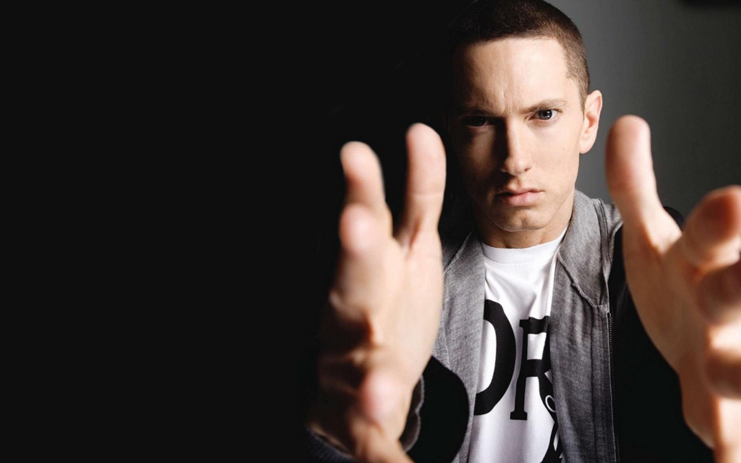 eminem-rapper-musician-widescreen-2560x1600