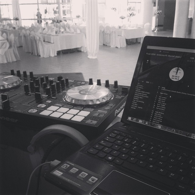 Dj tonight #wedding #sweden #dj #duvetinte #melika
