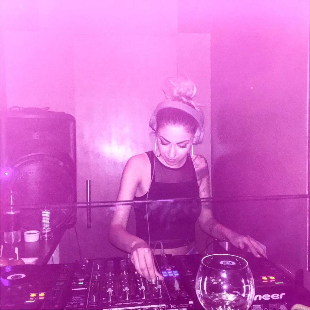 Book me as a DJ gt djmelikaduvetintese